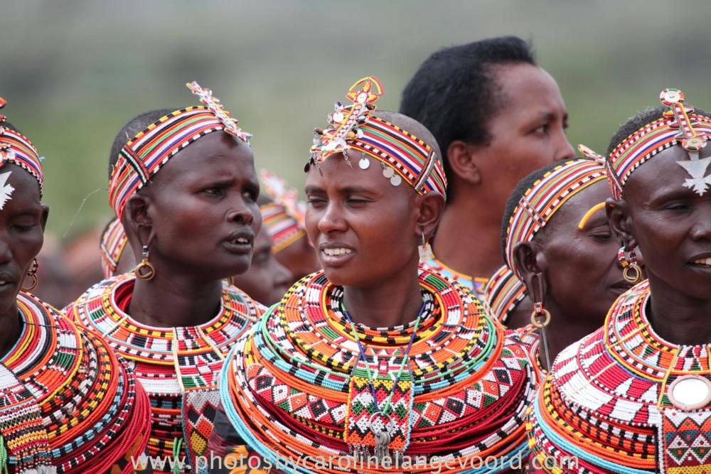 Random work from photos by caroline langevoord | portraits of east africa | singing samburu women (4)